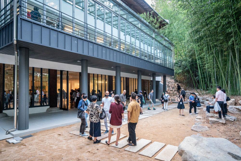 The  Fictional Frictions  2018 Gwangju Biennale exhibition took place in the Mugaksa Temple, South Korea. Photo: Kim Doyun.