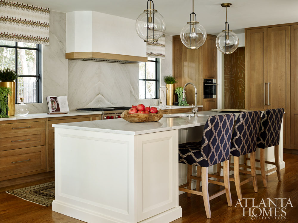 Atlanta showhouse 2016 kitchen with two tone cabinetry and exquisite design