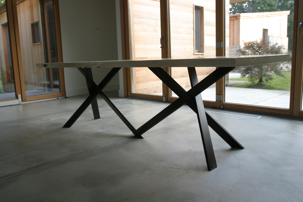 SYMBIOTIC TABLEu0026nbsp; (2007) The Tension Between Precisely Composed And  Executed Steel Tripod Legs