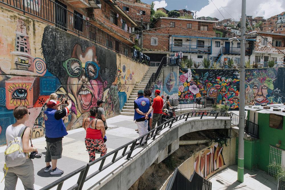 local tours in comuna 13 medellin colombia