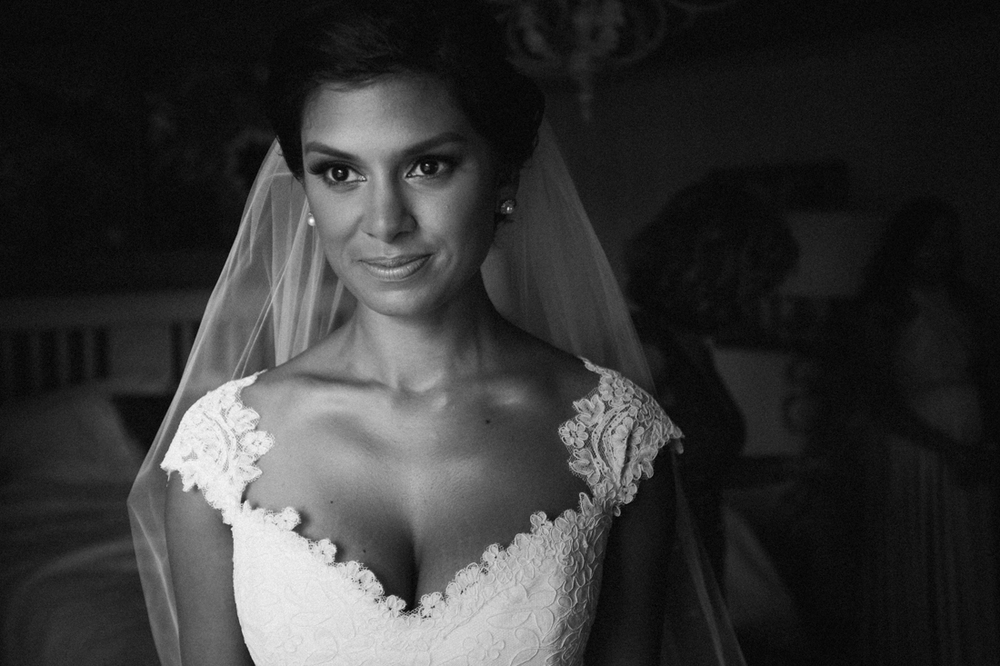 Bridal makeup and styling by Noah Venkatarangam at Manoir Hovey.jpg