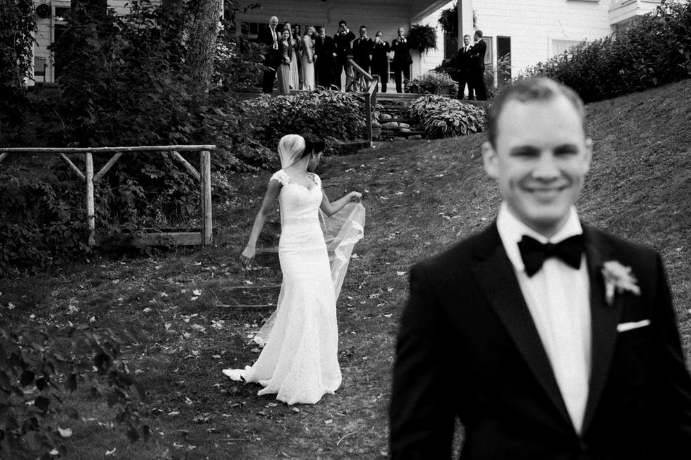Manoir Hovey Wedding bride and groom portraits.jpg