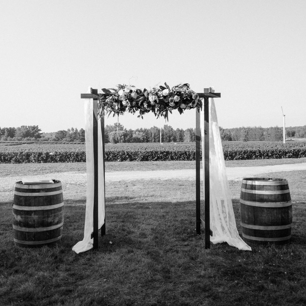 Zofia & Marc were married within the gorgeous vineyard of Le Vignoble de l'Orpailleur, in the Eastern Townships of Quebec. The rolling hills, and rich land surrounding this vineyard makes for a very poetic space for such an occasion.