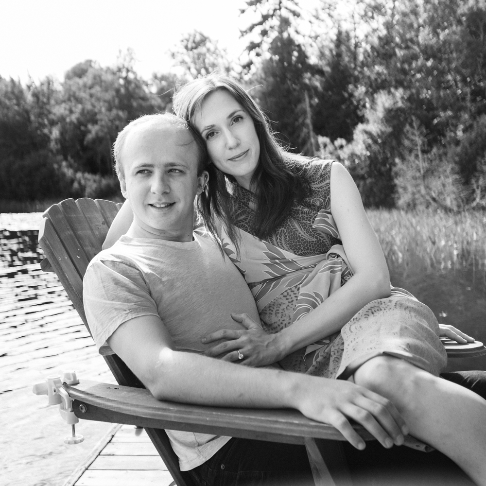 Couple portrait at the lake montreal.jpg