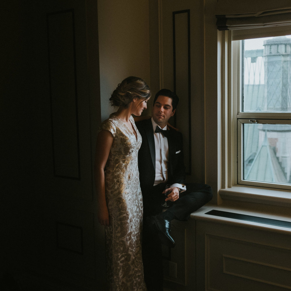Chateau Frontenac elopement bride and groom wedding portraits.jpg