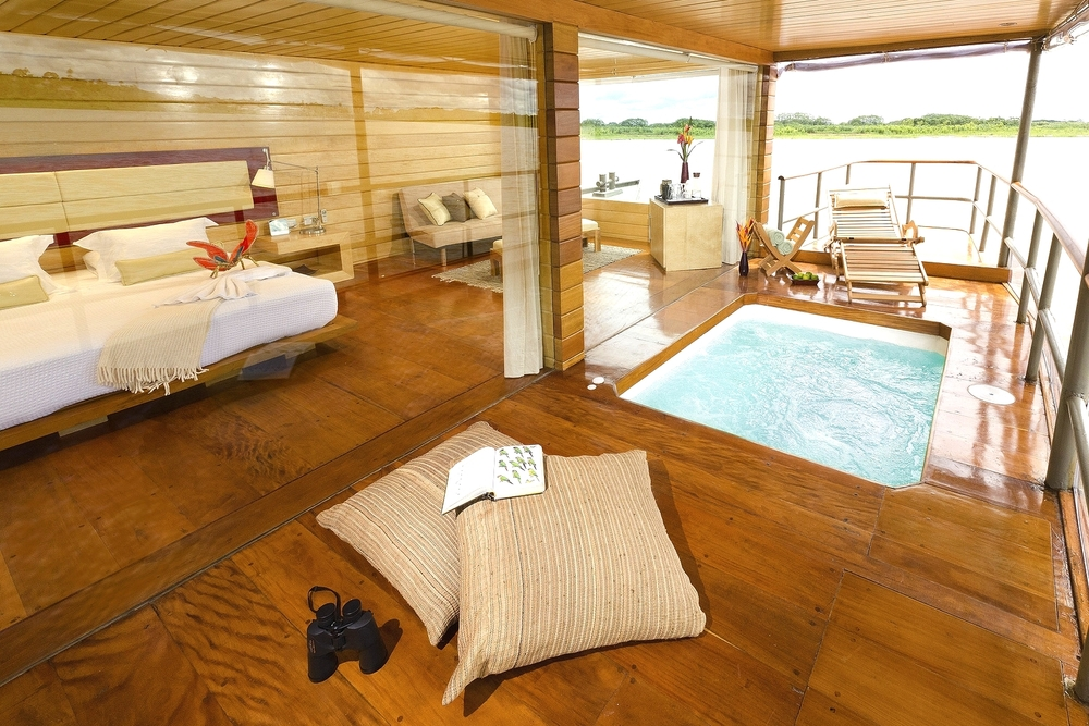 luxury honeymoon cabins