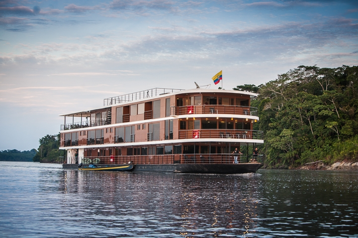 anakonda amazon cruise cabins