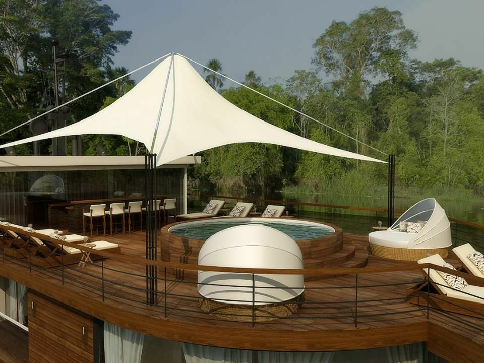 Zafiro Cruise Outdoor Lounge