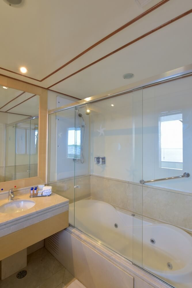 Iberostar Grand Amazon Royal Suite Bathroom