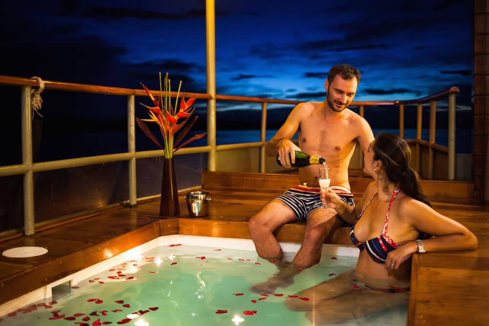 Honeymoon on the Delfin I Amazon Cruise, Peru