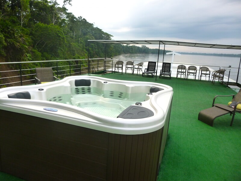 Jacuzzi on the top deck of the Anakonda Cruise