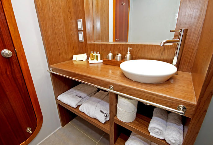 Ocean Spray Galapagos Cruise Bathroom