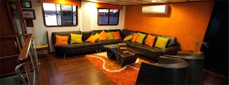 Lounge on M/C Anahi