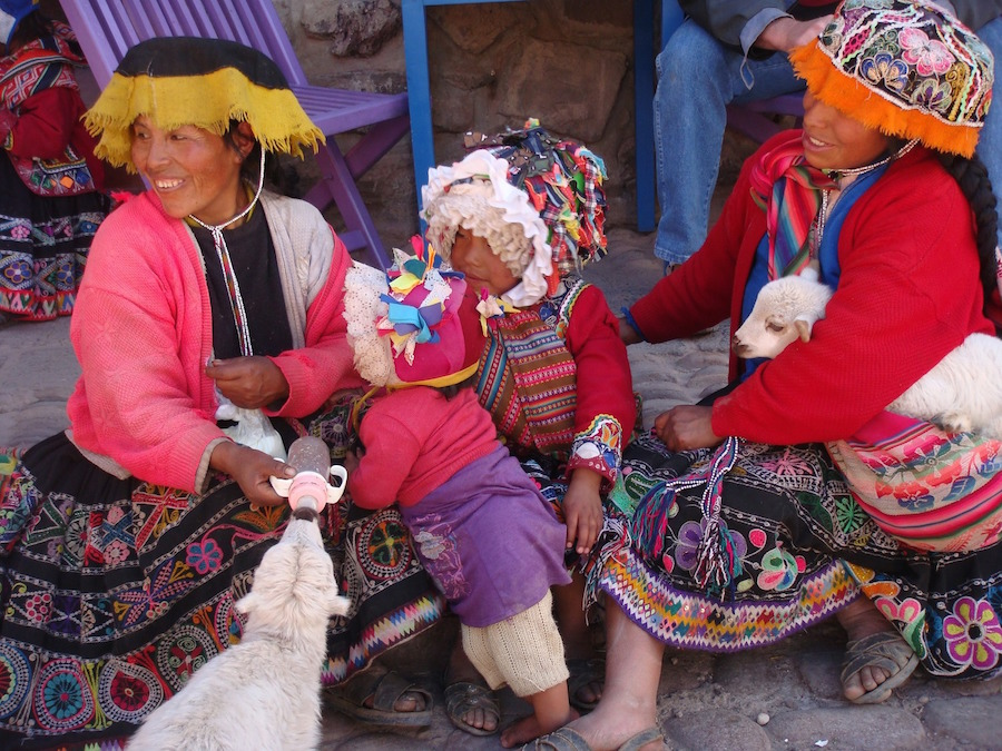Traditional cholitas in Cusco