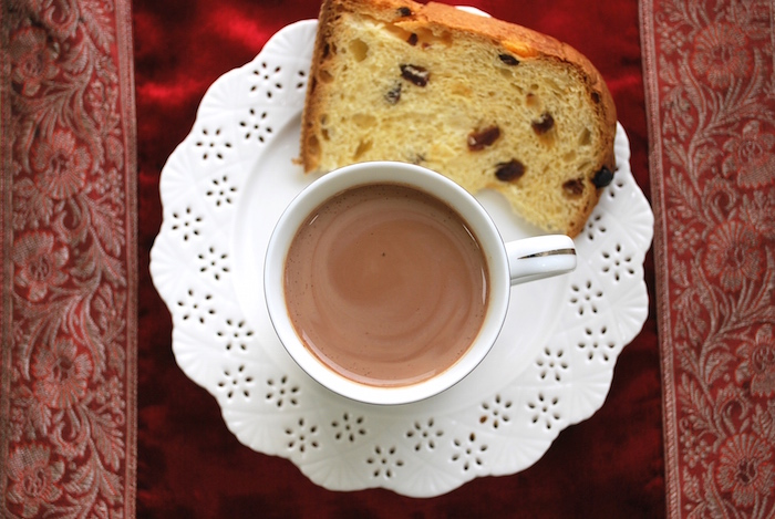 Peruvian Hot Chocolate and Panettone (ph. The Genetic Chef)