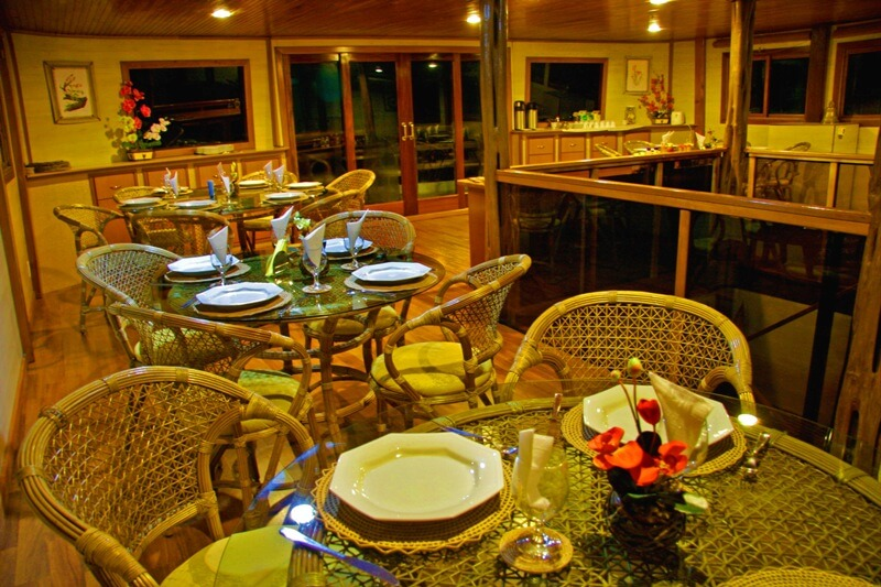 Clipper Premium Amazon Cruise Dining Room