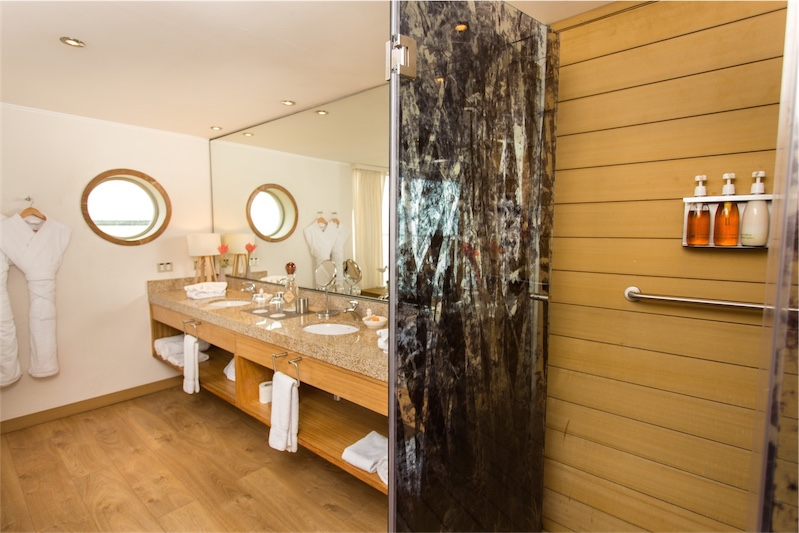 Amazonia Suite Bathroom Delfin III