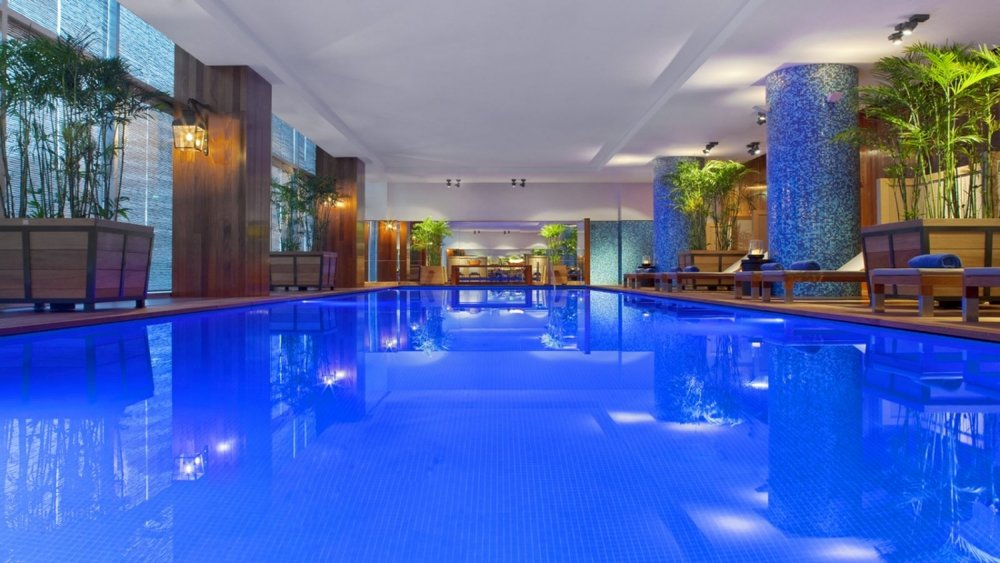 hotels with pools in lima peru