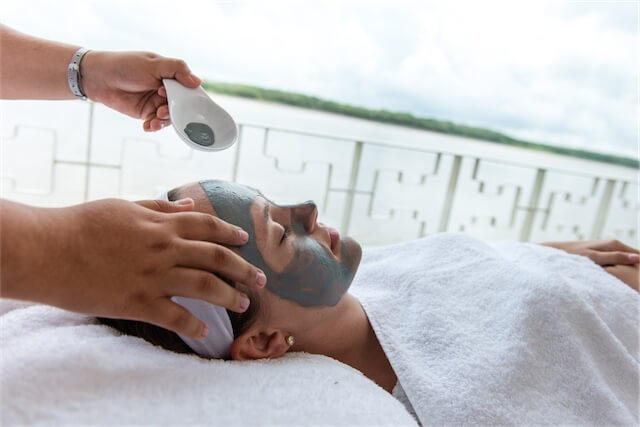 As well as domestic flights, Rainforest Cruises are also offering a free massage in this exclusive offer!