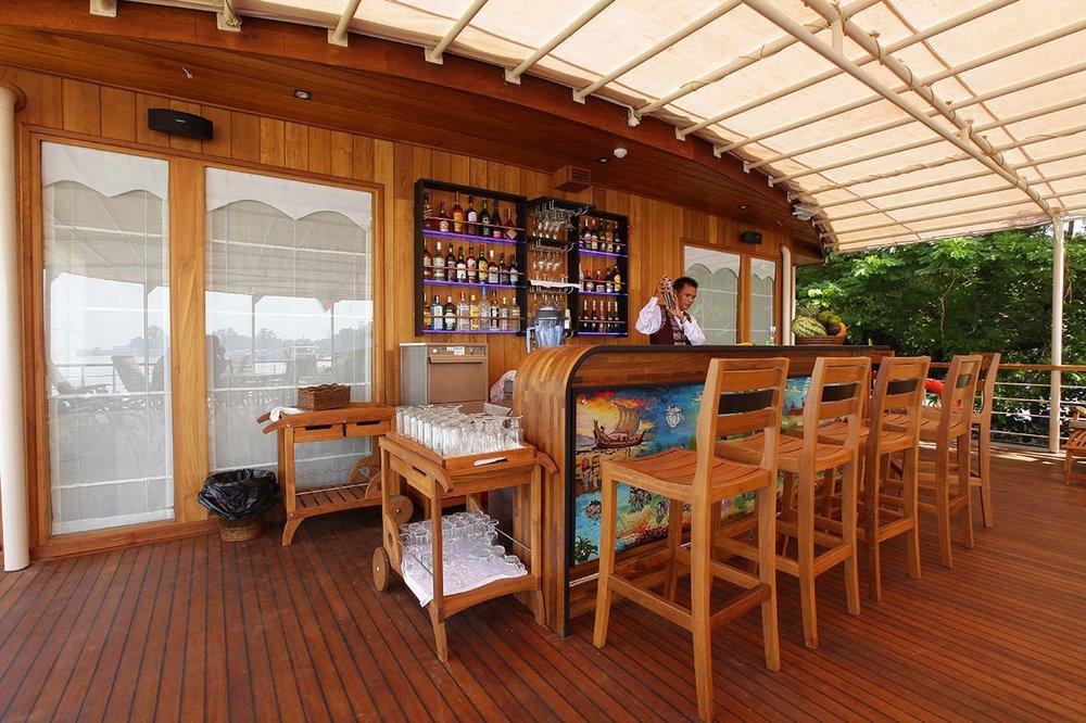 Paukan 2012 Cruise Dining