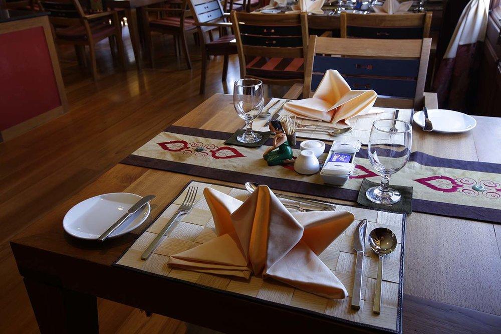 Paukan 2012 Myanmar Cruise Dining