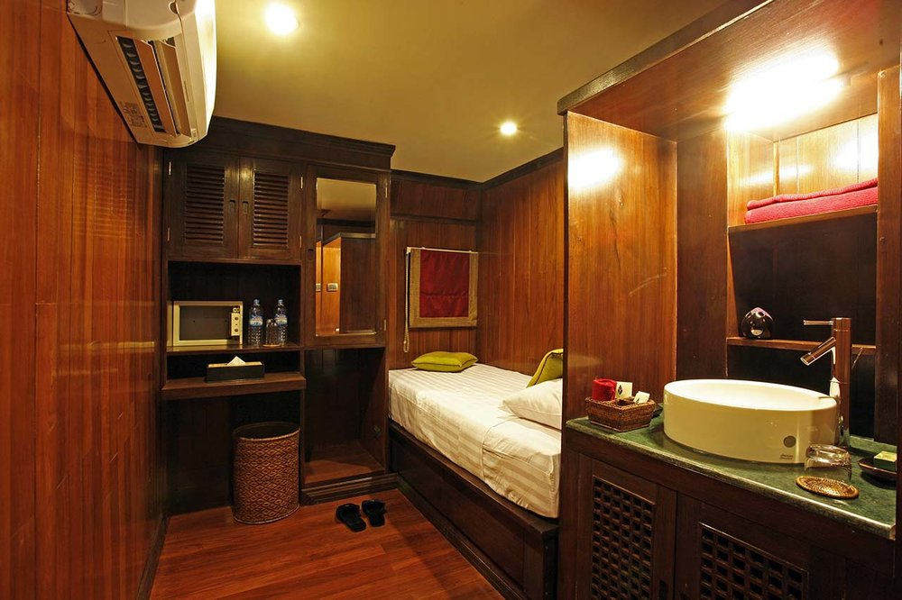 Lower Deck Single Cabin