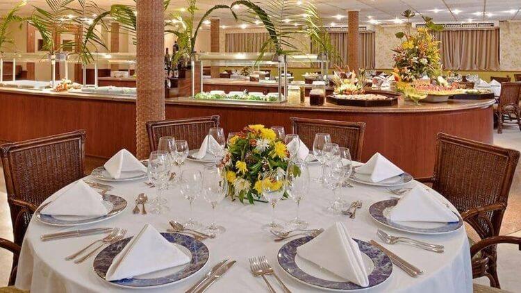 Iberostar Cruise Dining