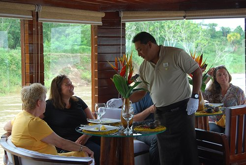 Cattleya Amazon Cruise Dining