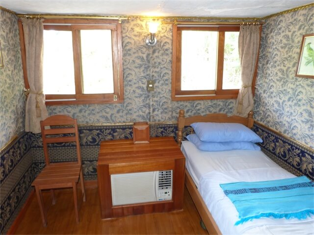 Clavero Cabin
