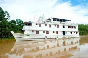 The Iracema cruising the Rio Negro.