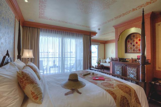 Deluxe Stateroom Mekong Cruise