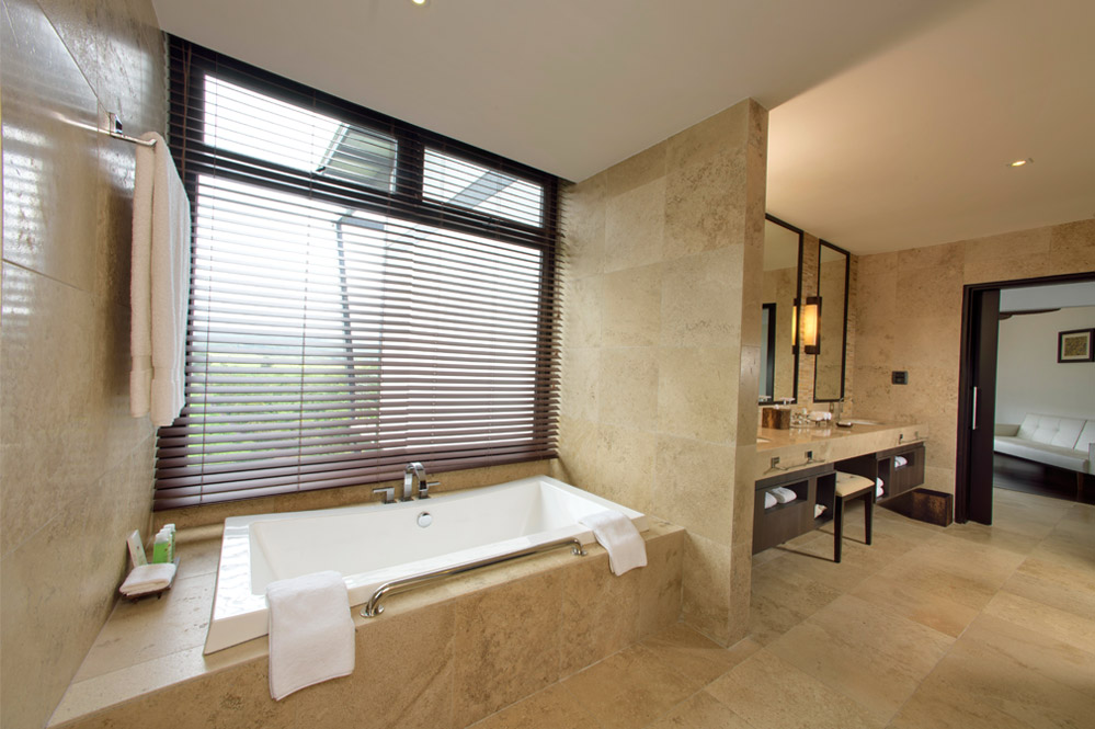 pool-suite-4-1.jpg