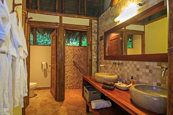 jungle lodge tours