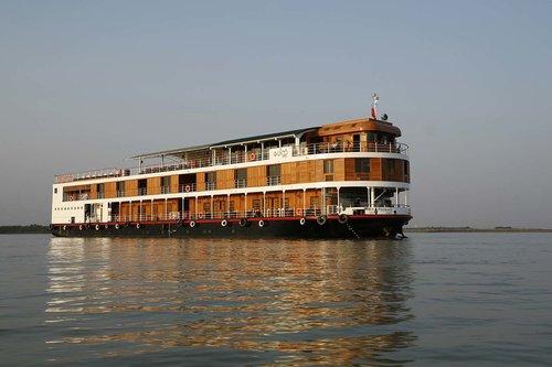 paukan-2007-sailing.jpg