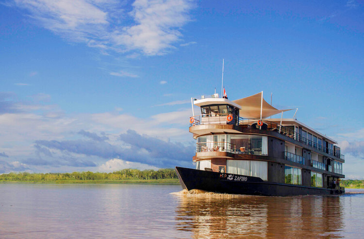 The luxurious Zafiro riverboat - perfect for relaxing!