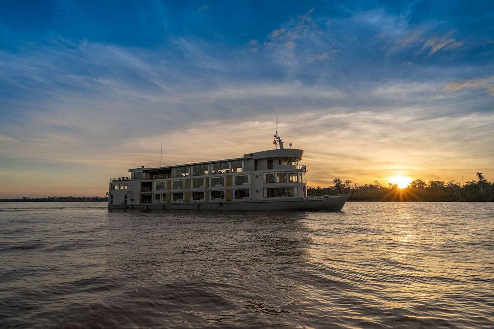 Amazon Cruise Delfin III