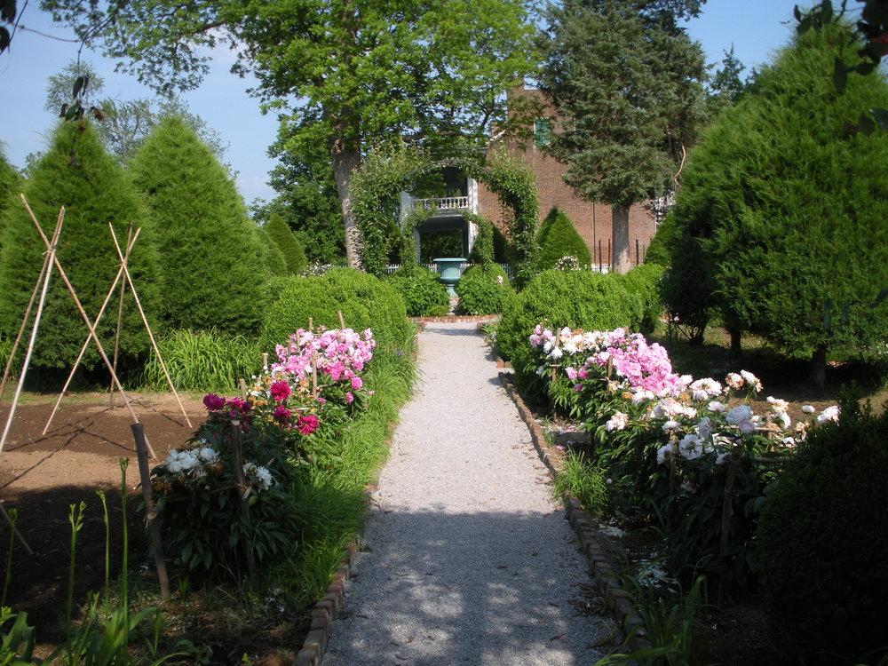 Carnton Garden 024.JPG