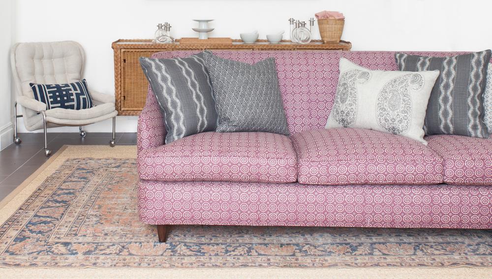 Sari Pasha Couch