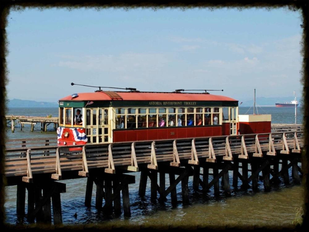 Astoria_Riverfront_Trolley.jpg