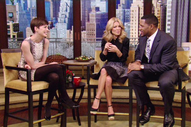 Anne-Hathaway-in-Gucci-Live-With-Kelly-Michael.jpg