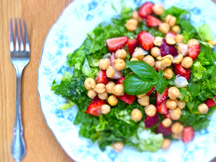 Chopped Strawberry, Mint & Chickpea Salad