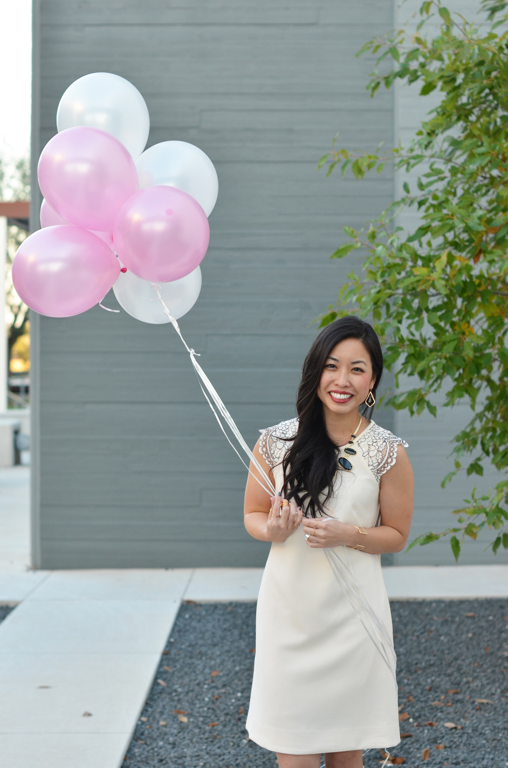 wind + balloons = tangled mess & awkward picture.