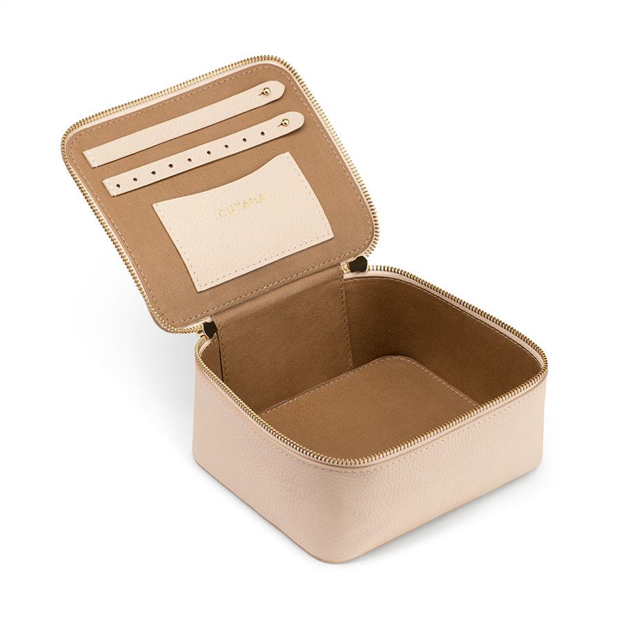 Cuyana leather jewelry case in blush