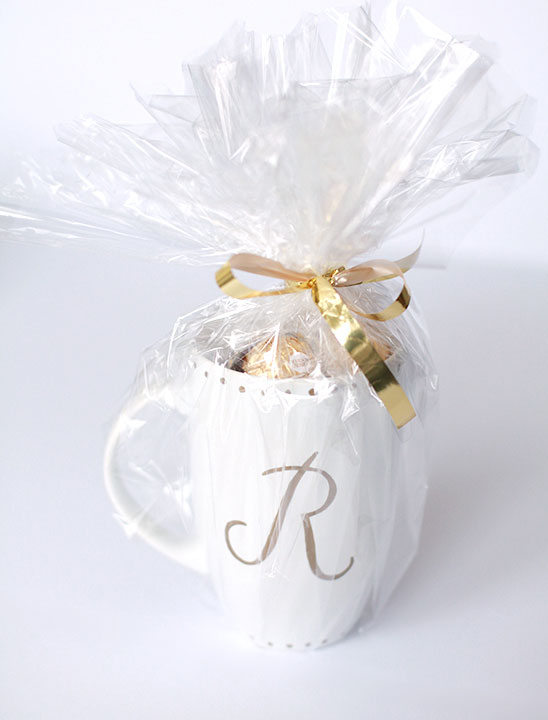 DIY-monogrammed-gold-sharpie-mugs-how-to-wrap-it-PINEGATE-ROAD.jpg