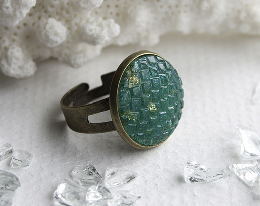 01 teal resin scale ring blog 515px