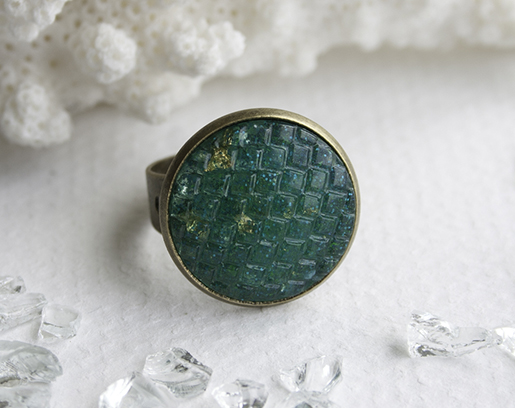 02 teal resin scale ring blog 515px