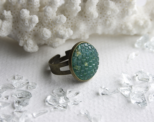 03 teal resin scale ring blog 515px