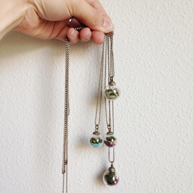 sphere terrarium necklace pic 1