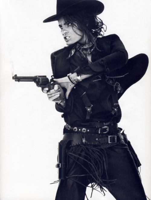suicideblonde :     Isabeli Fontana photographed by David Sims for Vogue Paris, April 2011