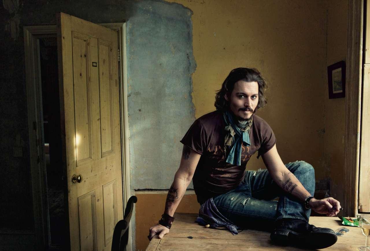 Johnny Depp in Vanity Fair, shot by Annie Leibovitz. #manswoon